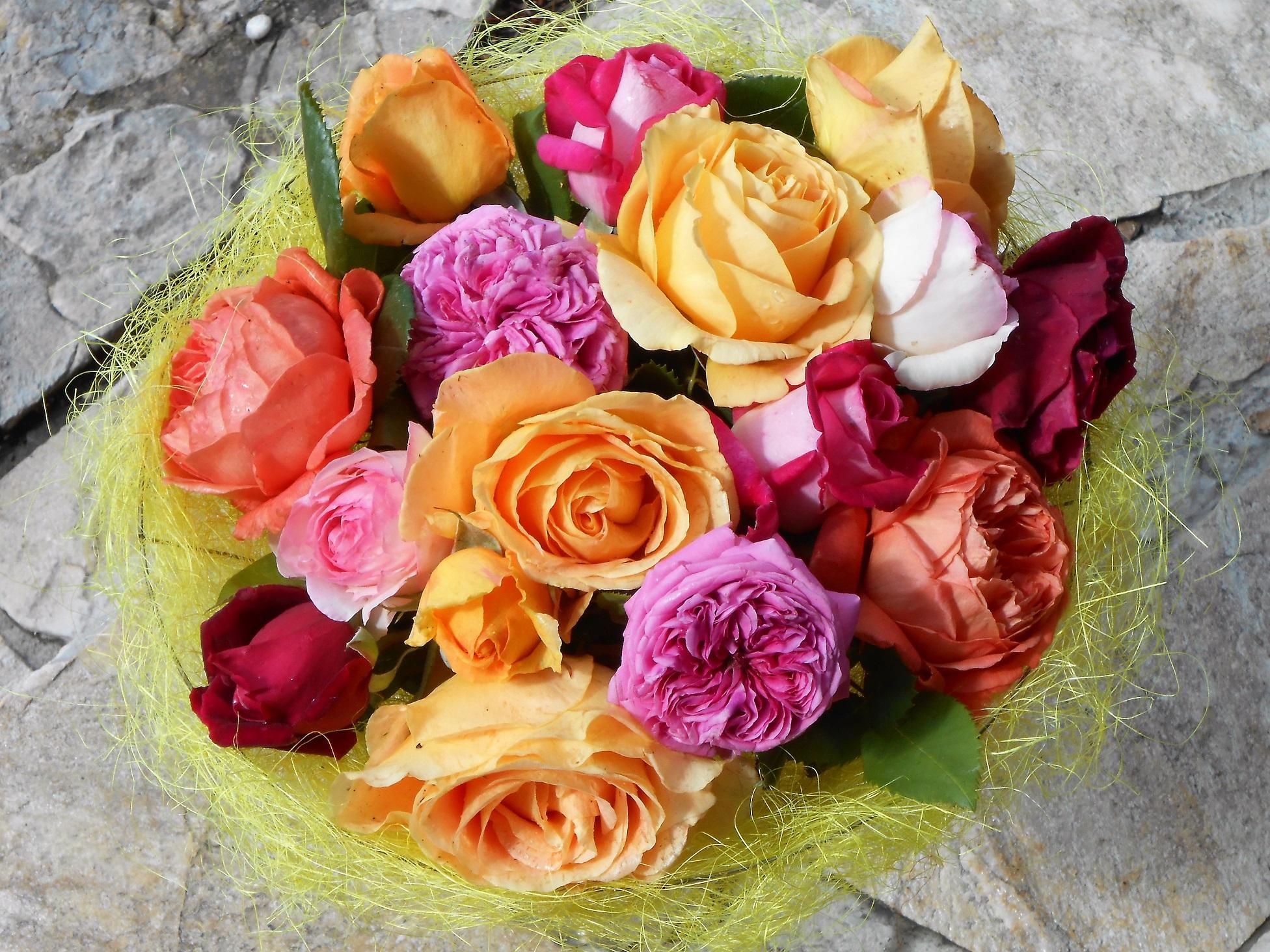 Rose/FleursDuMois/bouquetderoses.jpg